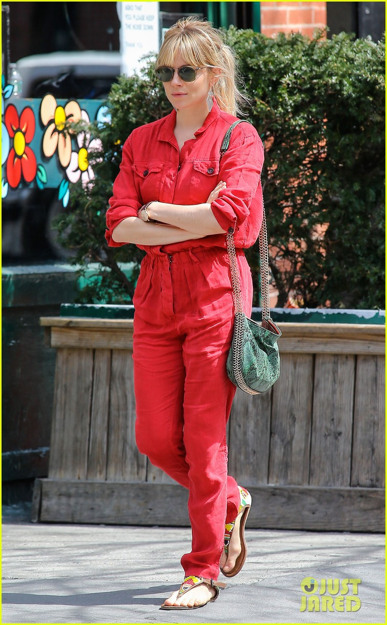 sienna miller lady in red with tom sturridge 012847212