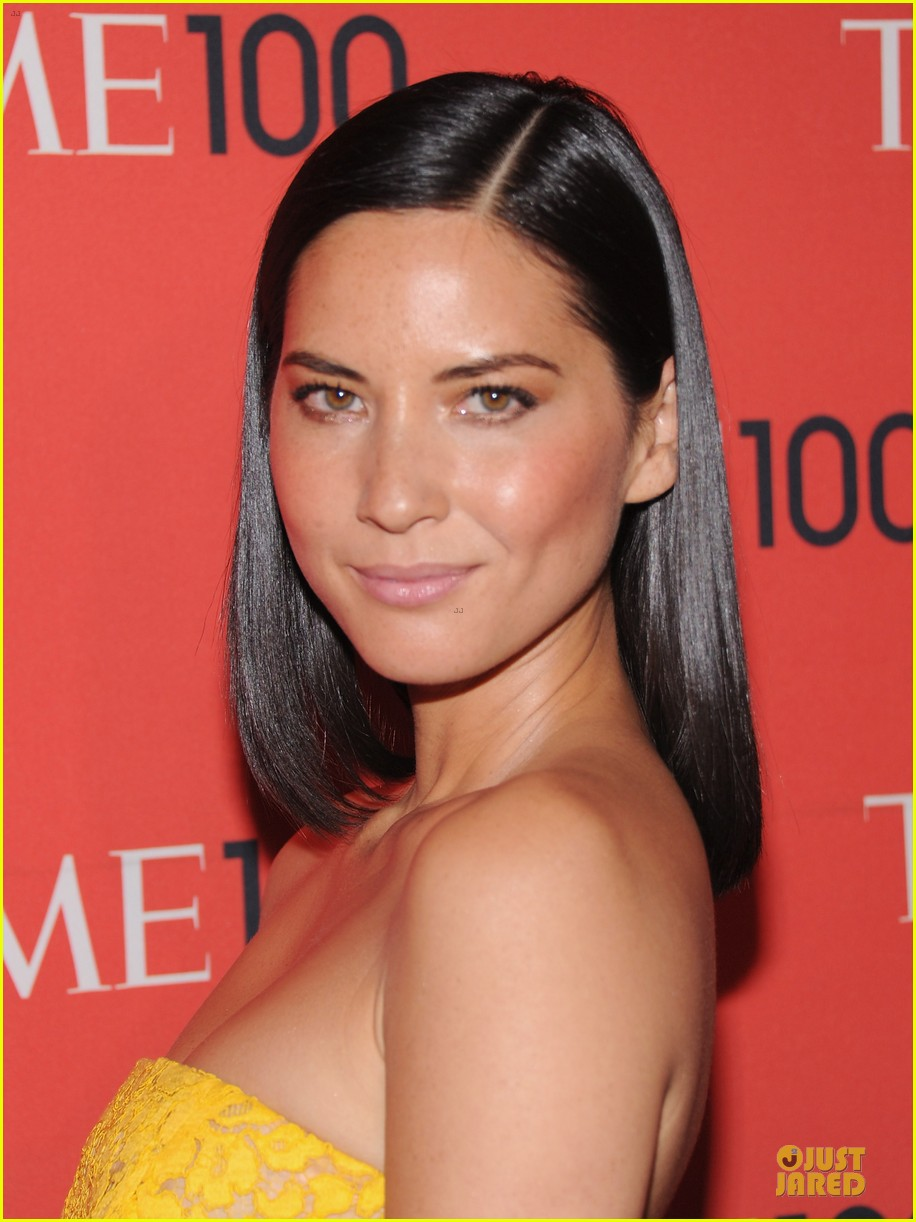 olivia munn amy poehler time 100 gala red carpet 082856923