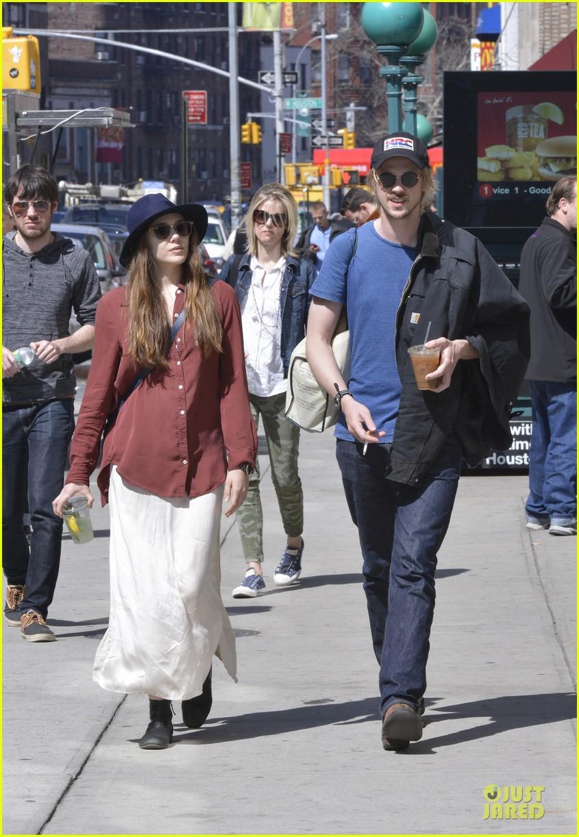 elizabeth olsen boyd holbrook soho strolling couple 11