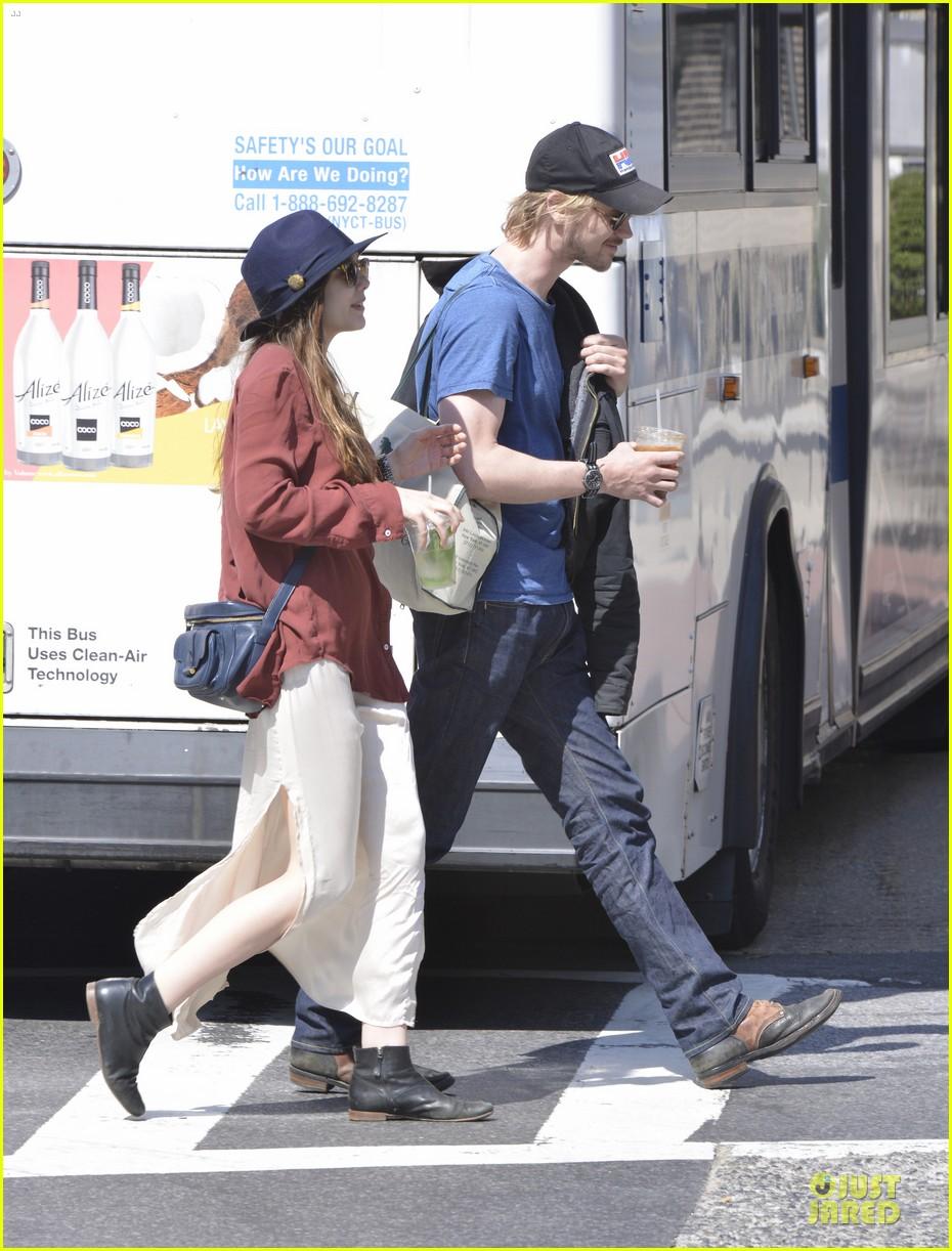 elizabeth olsen boyd holbrook soho strolling couple 21