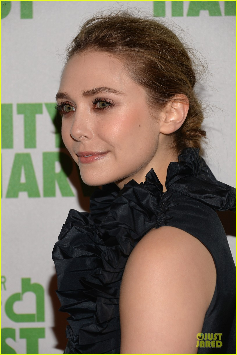 elizabeth ashley olsen separate big apple outings 162851656