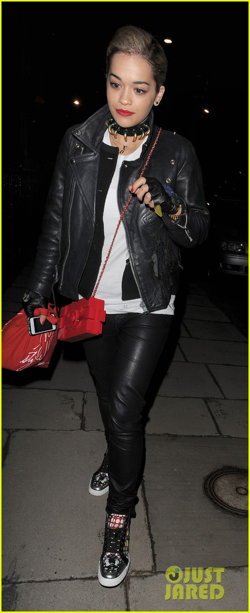rita ora cara delevingne girls night in 09