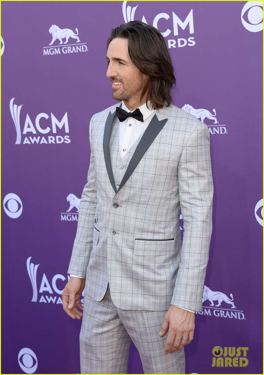 jake owen eric church acm awards 2013 red carpet 13