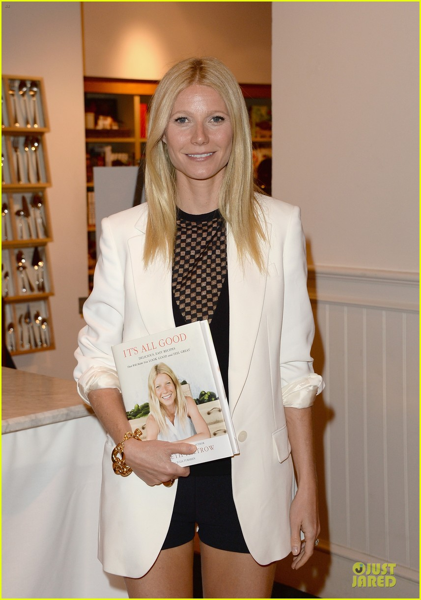 gwyneth paltrow my family came to book signing for the grove 08