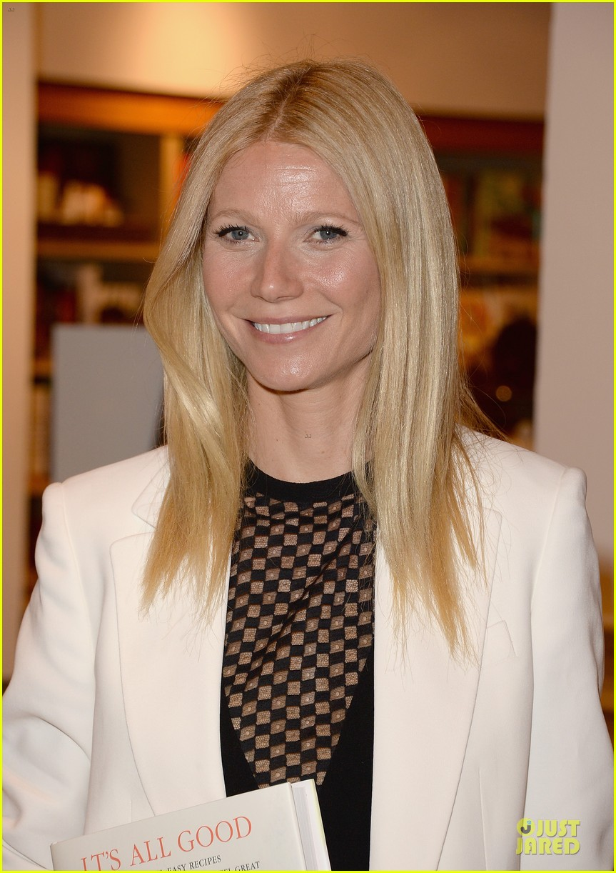 gwyneth paltrow my family came to book signing for the grove 10