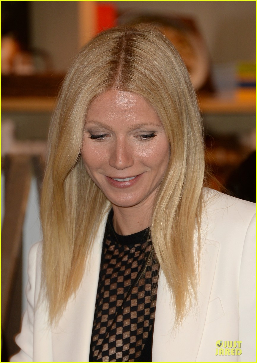 gwyneth paltrow my family came to book signing for the grove 19