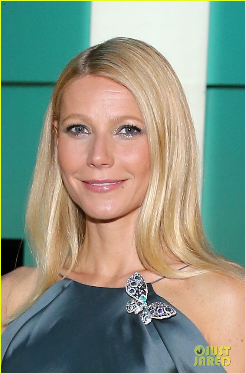 gwyneth paltrow sarah jessica parker tiffany blue book gala 082853040