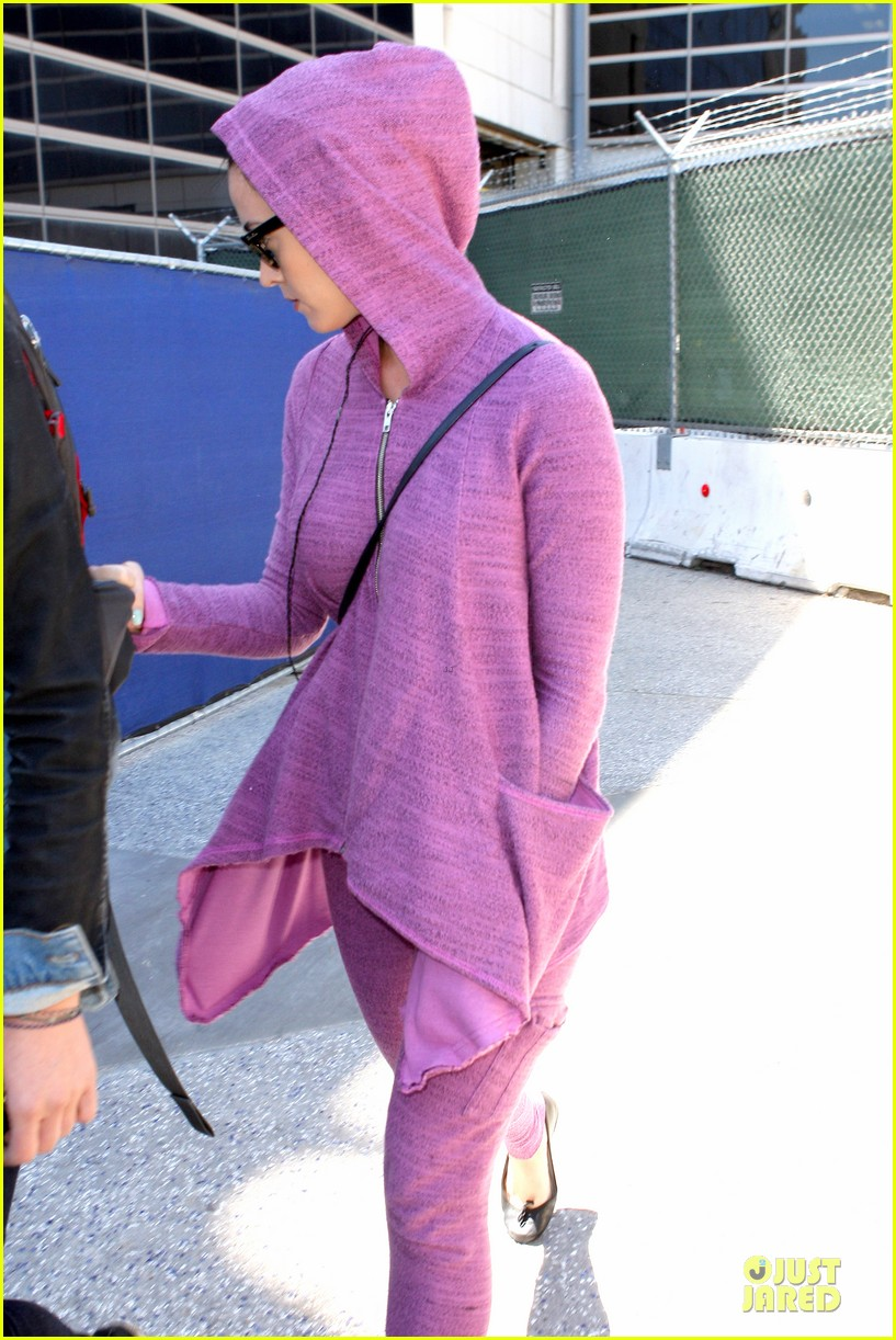 katy perry lax arrival after madagascar unicef trip 082846334