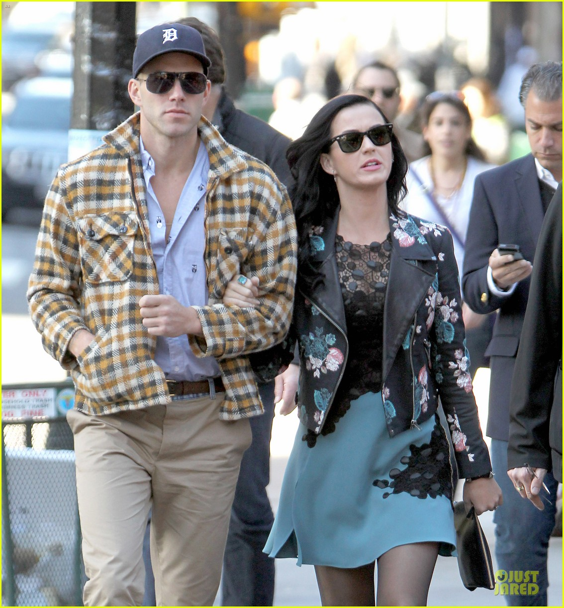 katy perry new york stroll with mystery man 022861376