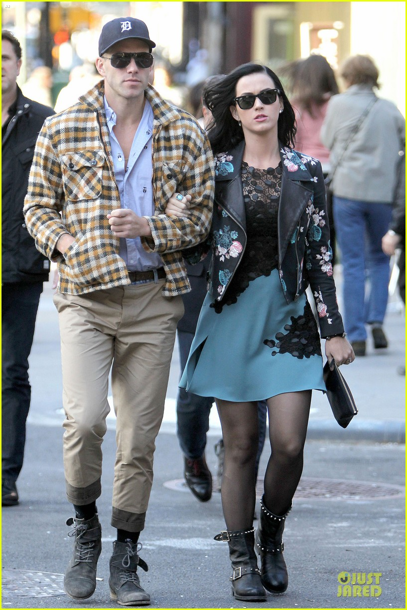 katy perry new york stroll with mystery man 06