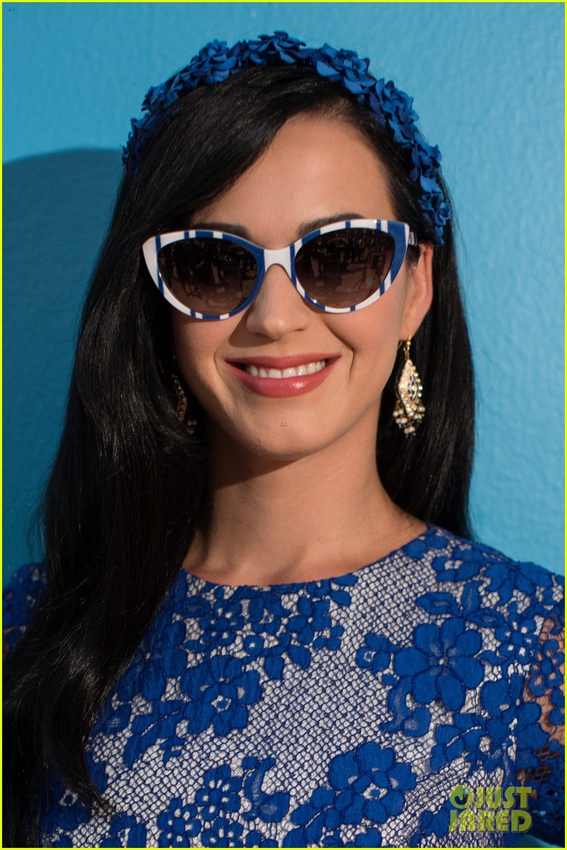 katy perry neil patrick harris smurfs 2 at summer of sony 142855743
