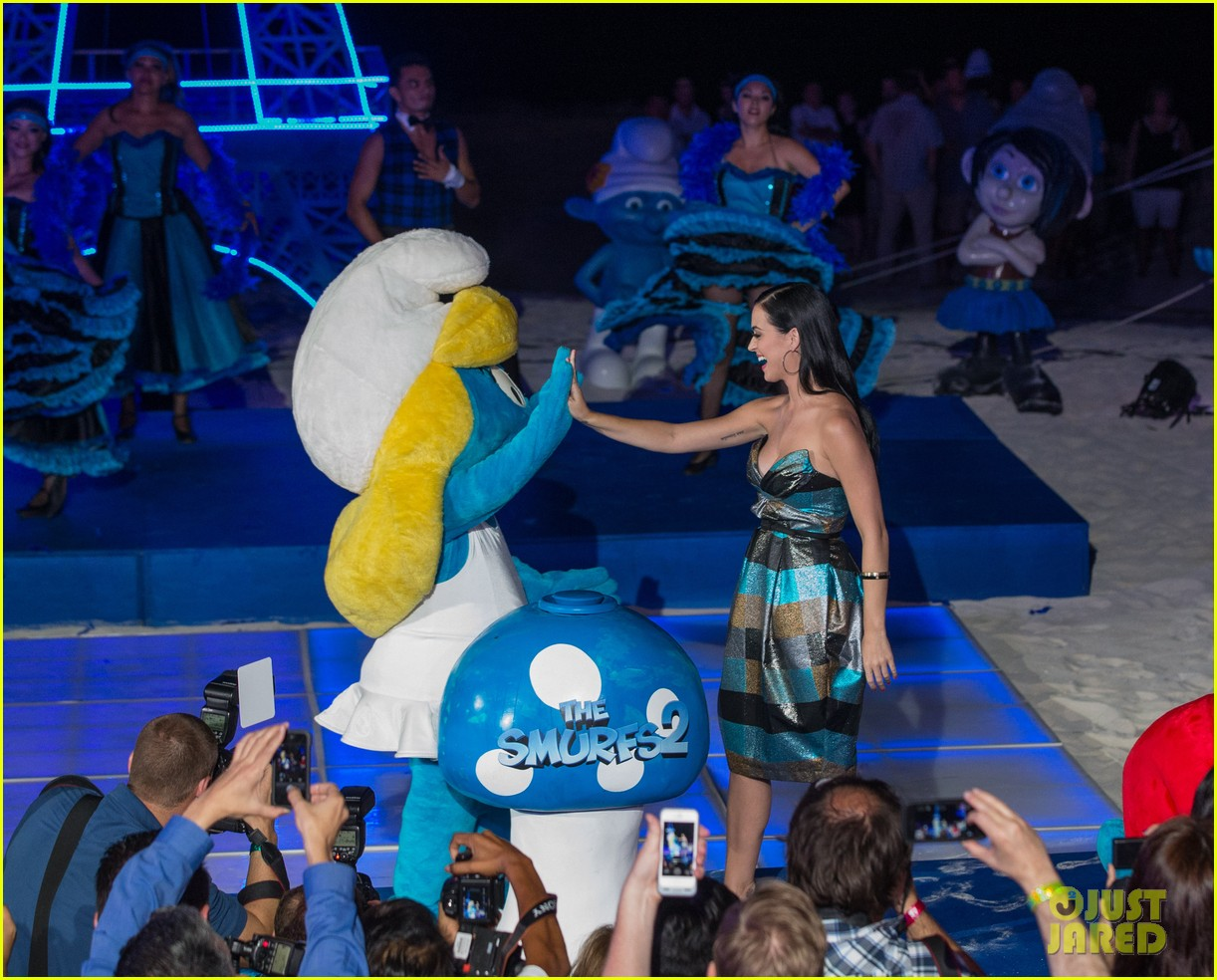 katy perry smurfs 2 summer of sony party 16
