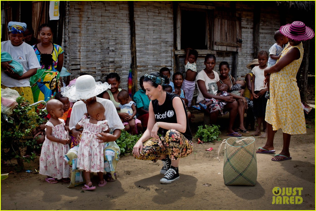katy perry madagascar visit for unicef 072845526