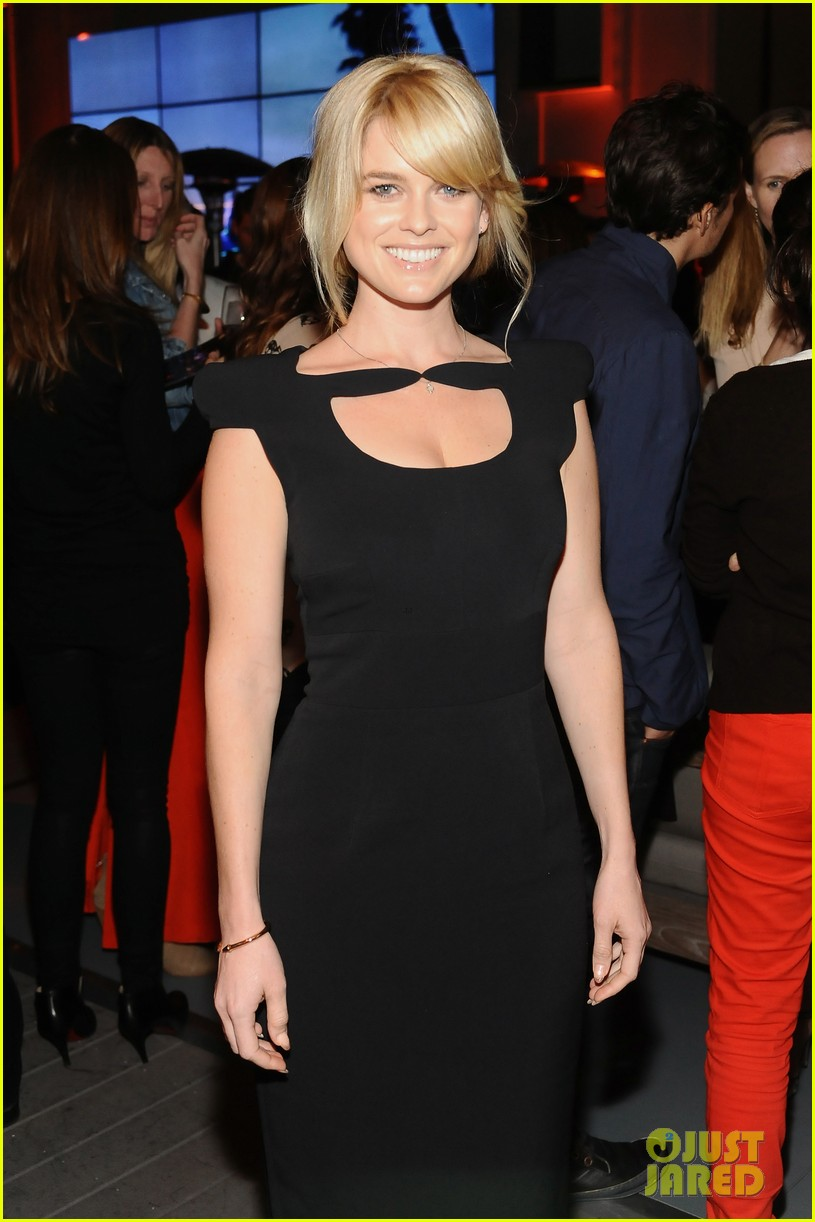 chris pine alice eve star trek at coach charity event 08