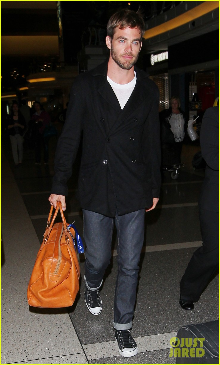 chris pine from los angeles to sydney 11