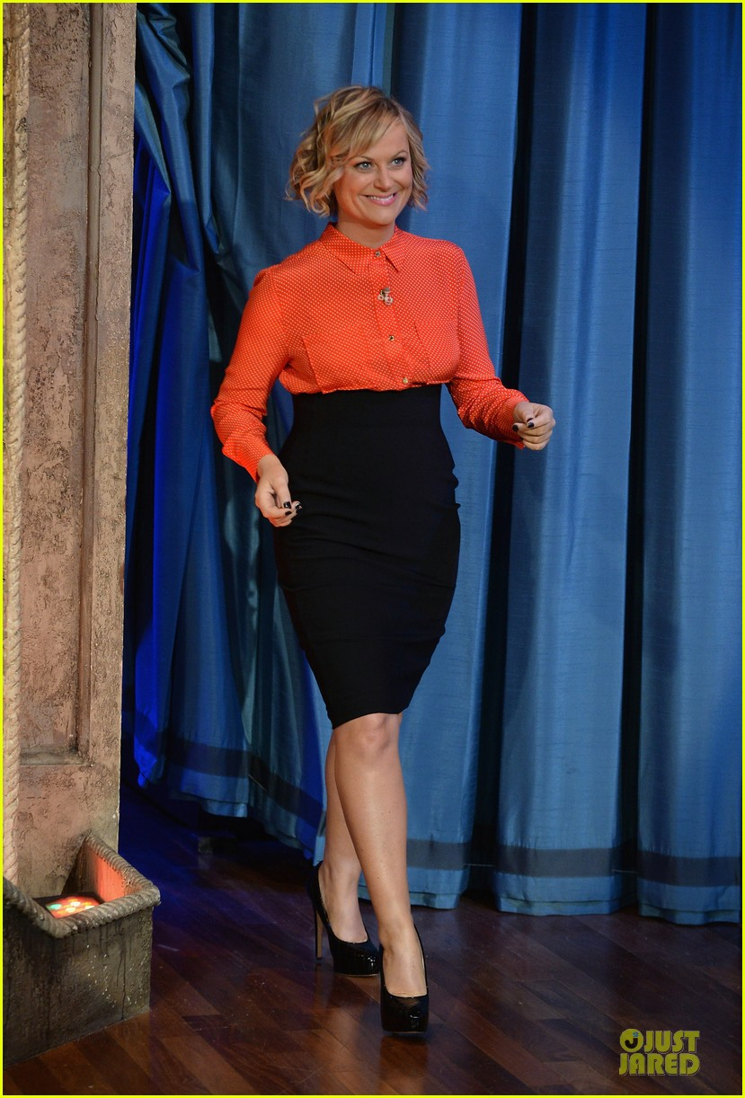 amy poehler michael buble chicken eers on fallon 13