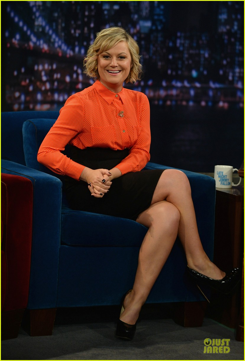 amy poehler michael buble chicken eers on fallon 14