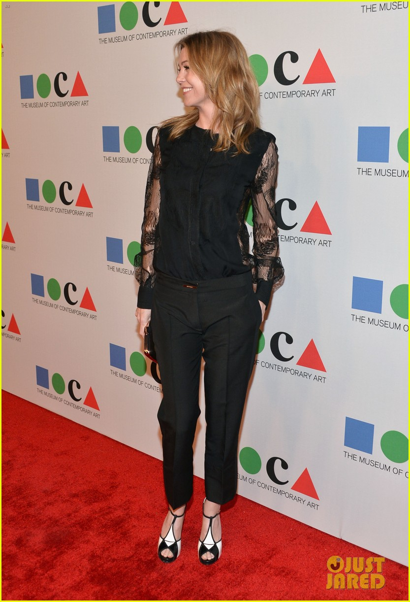 ellen pompeo moca gala 2013 with chris ivery 07