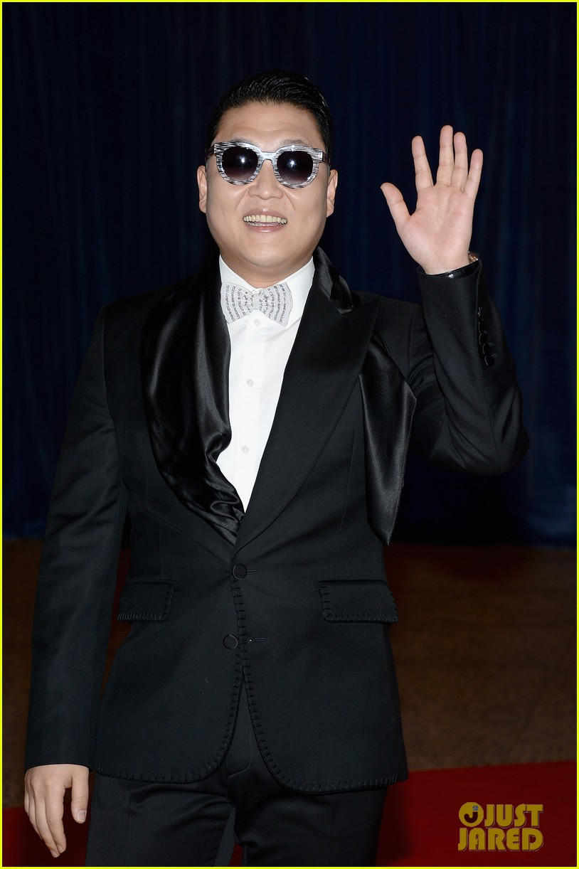 psy white house correspondents dinner 2013 012859549
