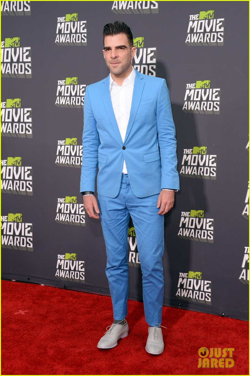 zachary quinto mtv movie awards 2013 red carpet 04