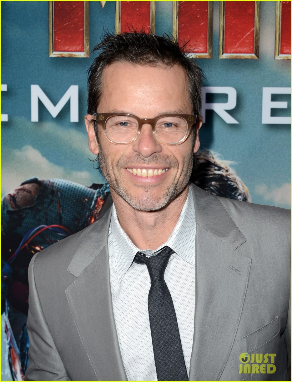 robert downey jr guy pearce iron man 3 premiere 06