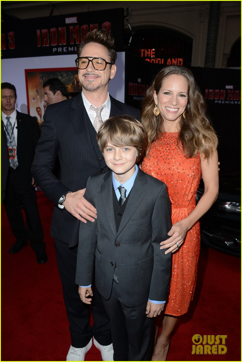 robert downey jr guy pearce iron man 3 premiere 21