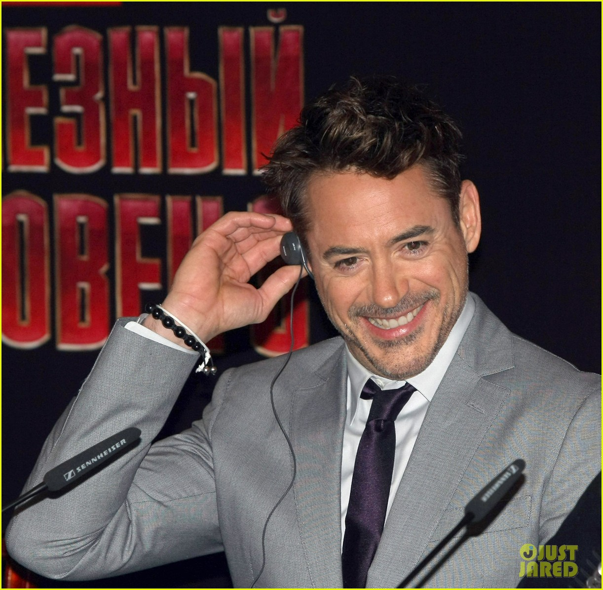robert downey jr iron man 3 premiere press conference 122846978