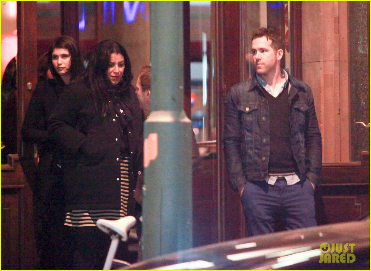 ryan reynolds berlin dinner with gemma arterton 182855705