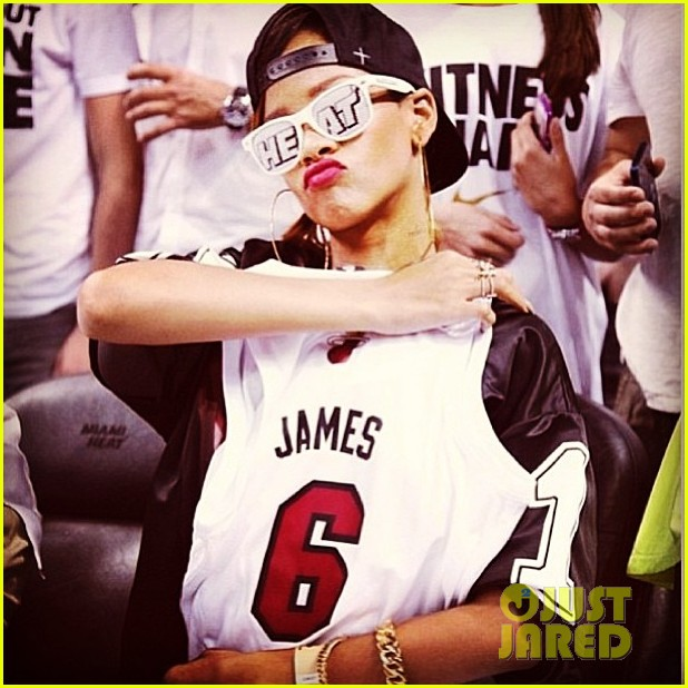 rihanna miami heat game night 032855481