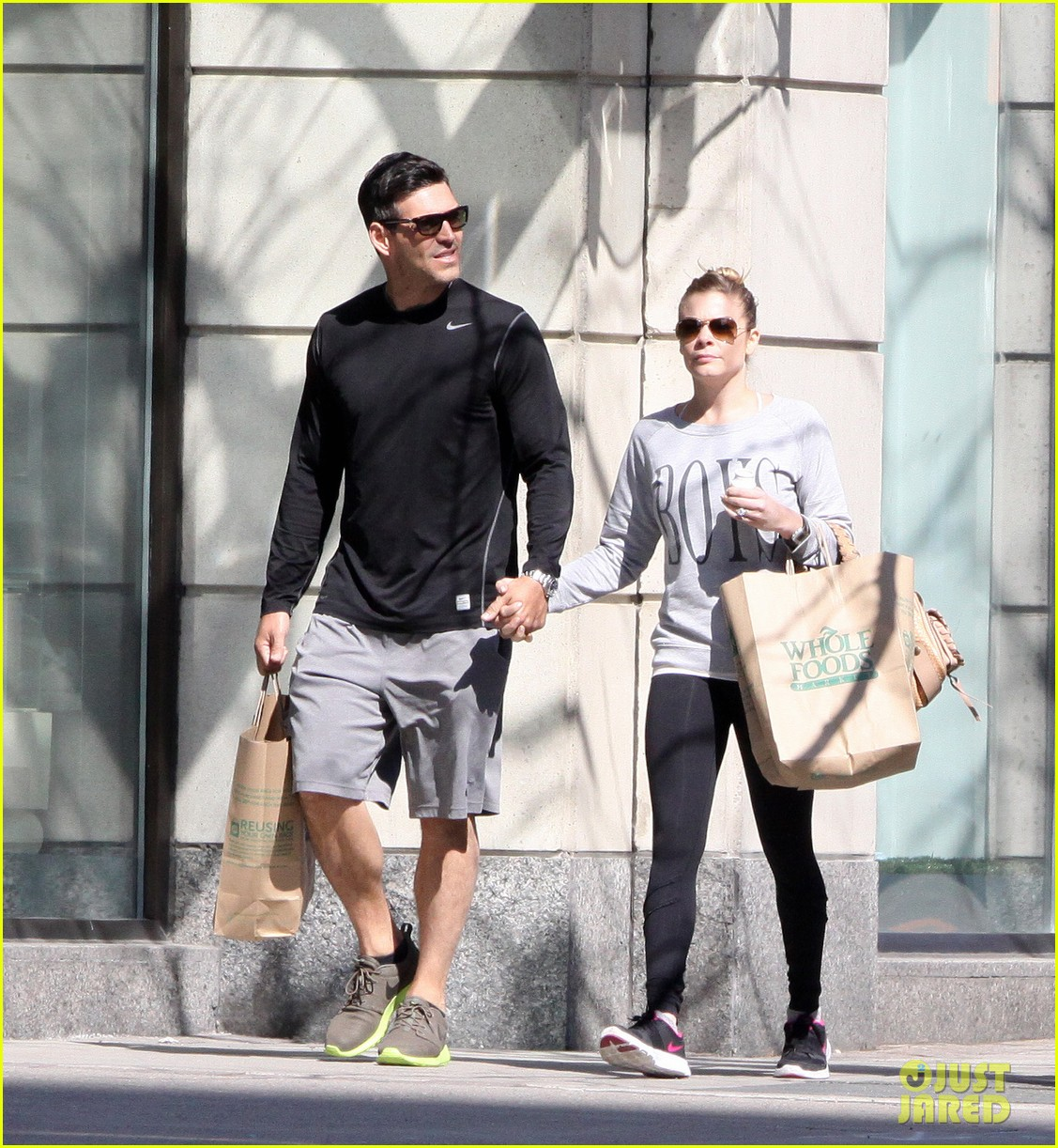 leann rimes eddie cibrian hold hands after shopping 072857974
