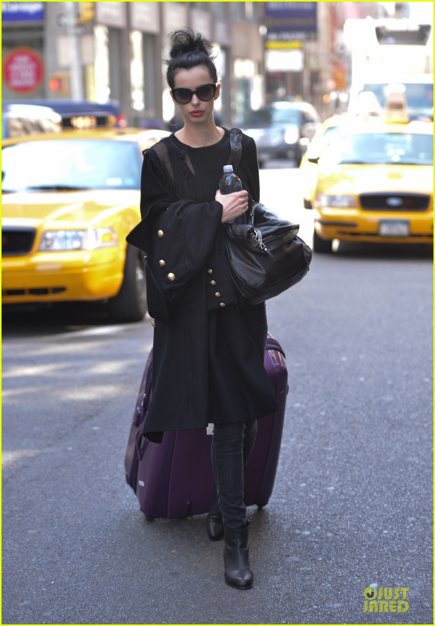 krysten ritter brilliant beautiful incredible gal raves assistance writer 01