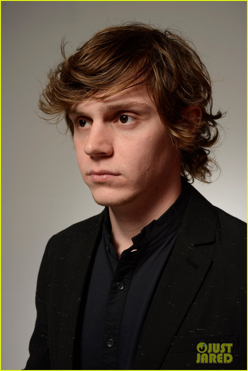 emma roberts evan peters adult world tribeca portraits 022854319