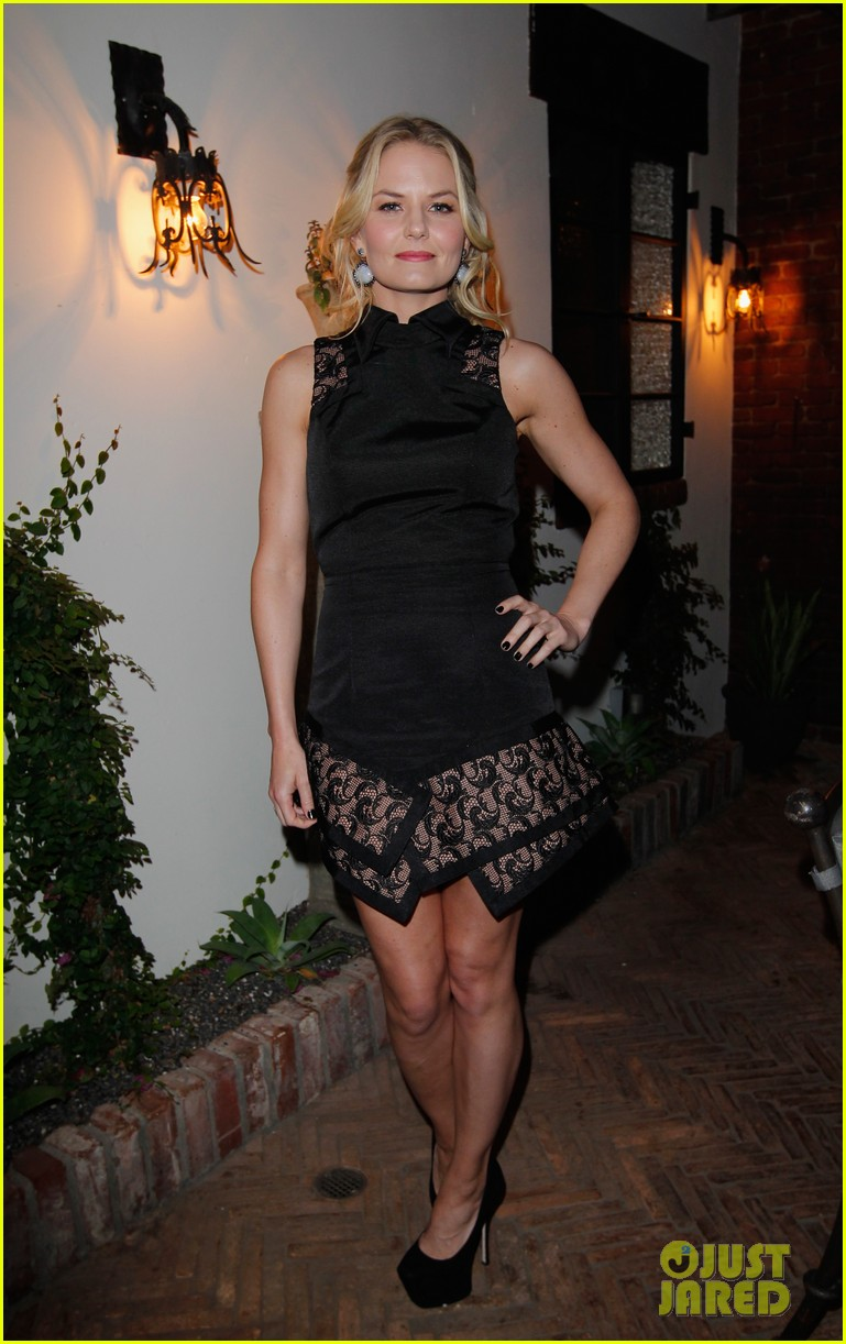 amanda seyfried jennifer morrison allures look better naked event 15