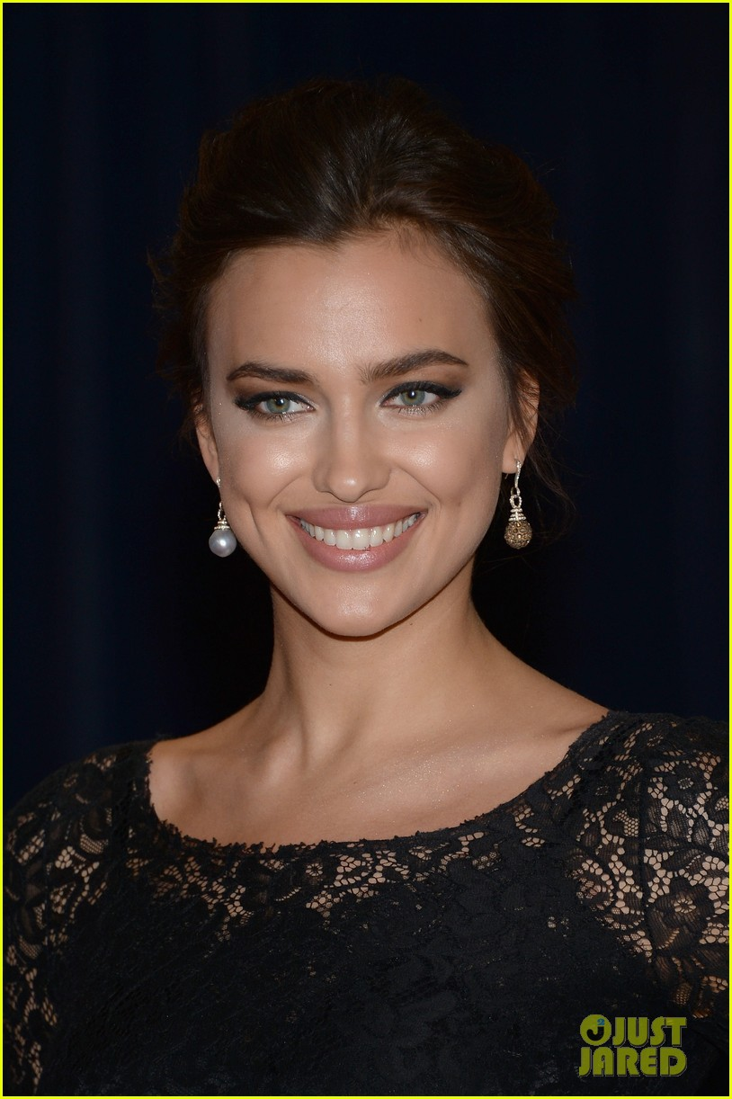irina shayk white house correspondents dinner 2013 red carpet 062859486