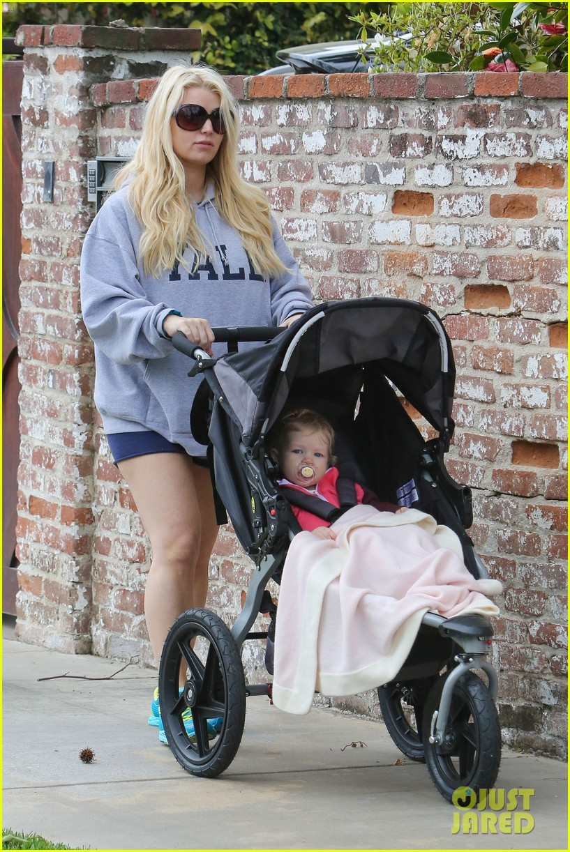 jessica simpson eric johnson eater outing with maxwell 06