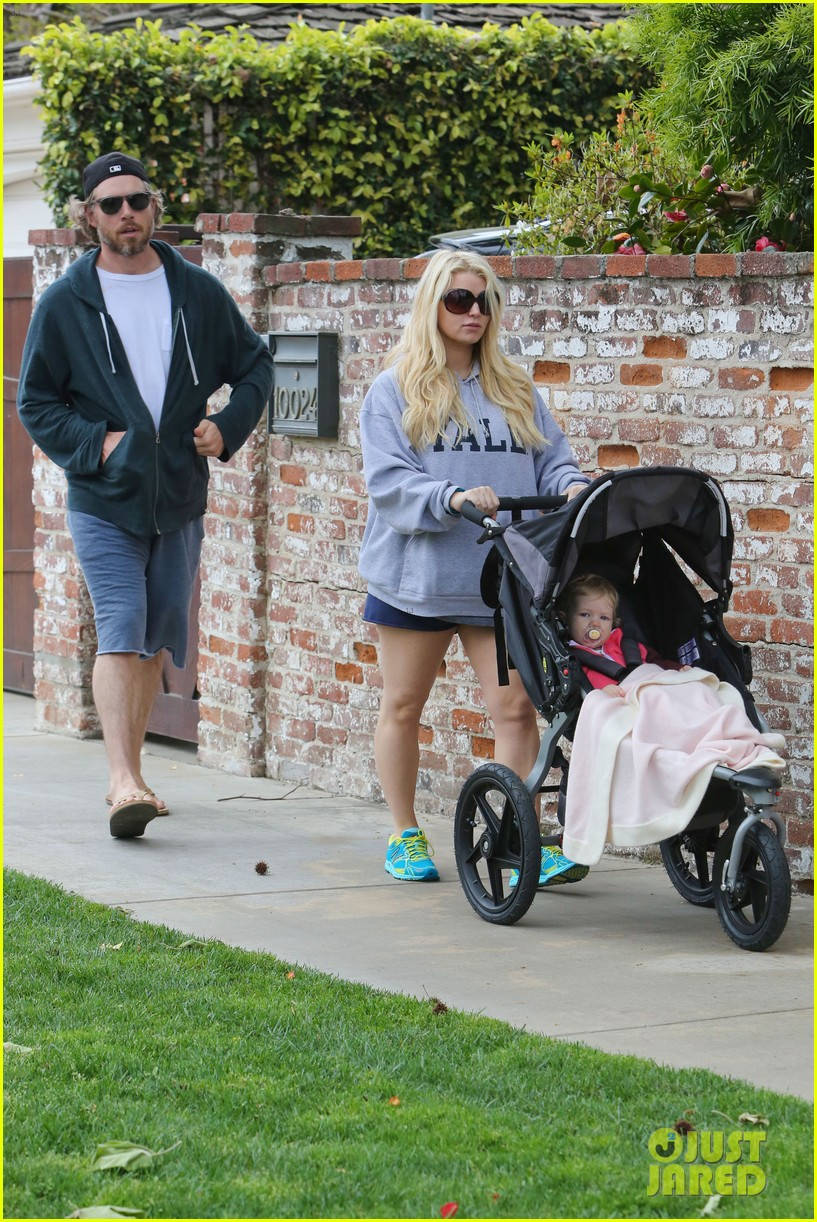 jessica simpson eric johnson eater outing with maxwell 19