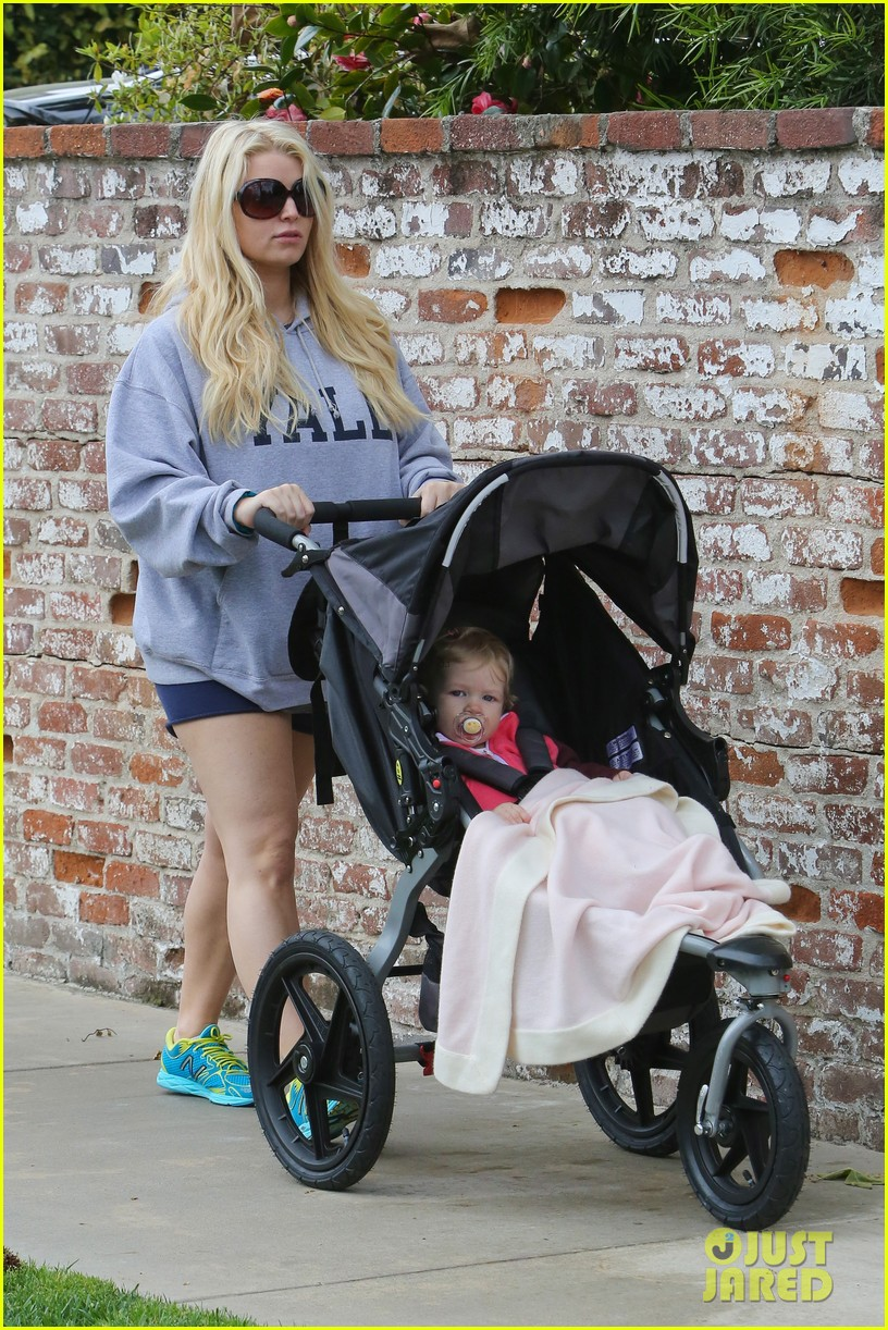 jessica simpson eric johnson eater outing with maxwell 21