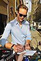 alexander skarsgard autograph smiles in nyc 05