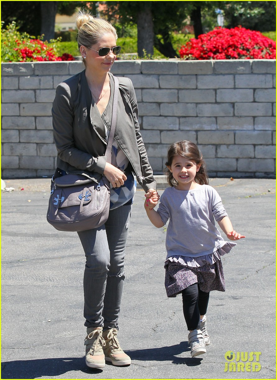 sarah michelle gellar charlotte childrens gym time 052852620