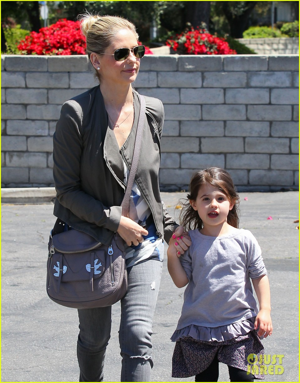 sarah michelle gellar charlotte childrens gym time 172852632
