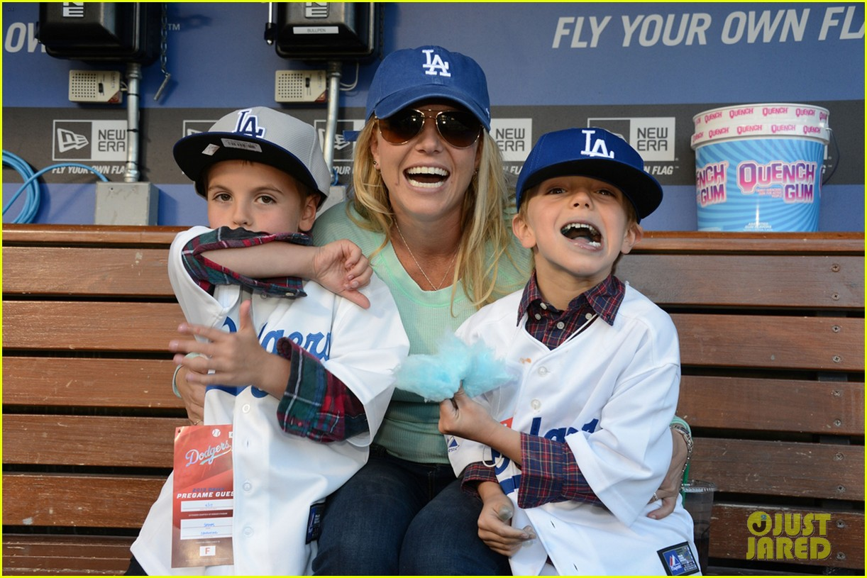 britney spears dodgers game with the boys 032853007
