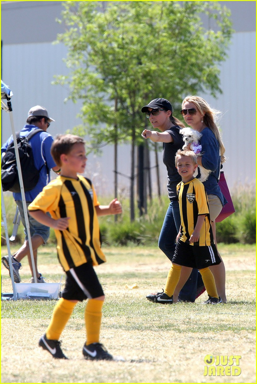 britney spears nails soccer sunday 10