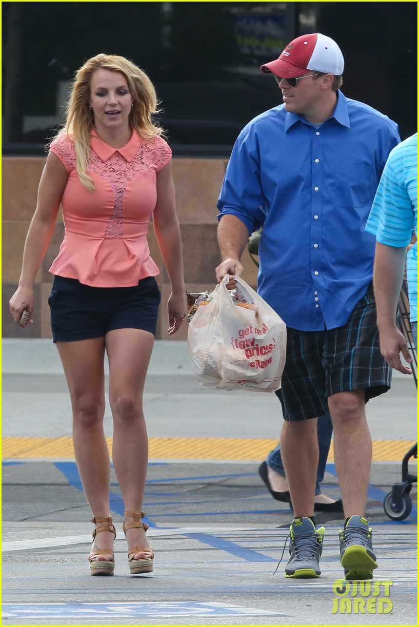 britney spears david lucado saturday ralphs run 17