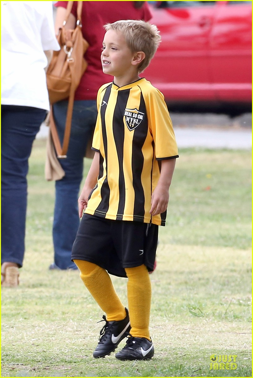 britney spears kevin federline boys sunday soccer game 09