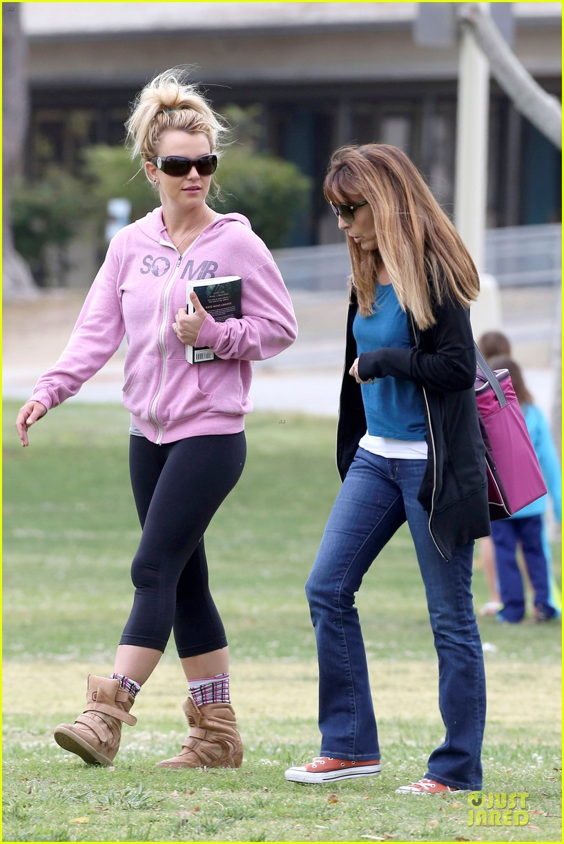 britney spears kevin federline boys sunday soccer game 142849859