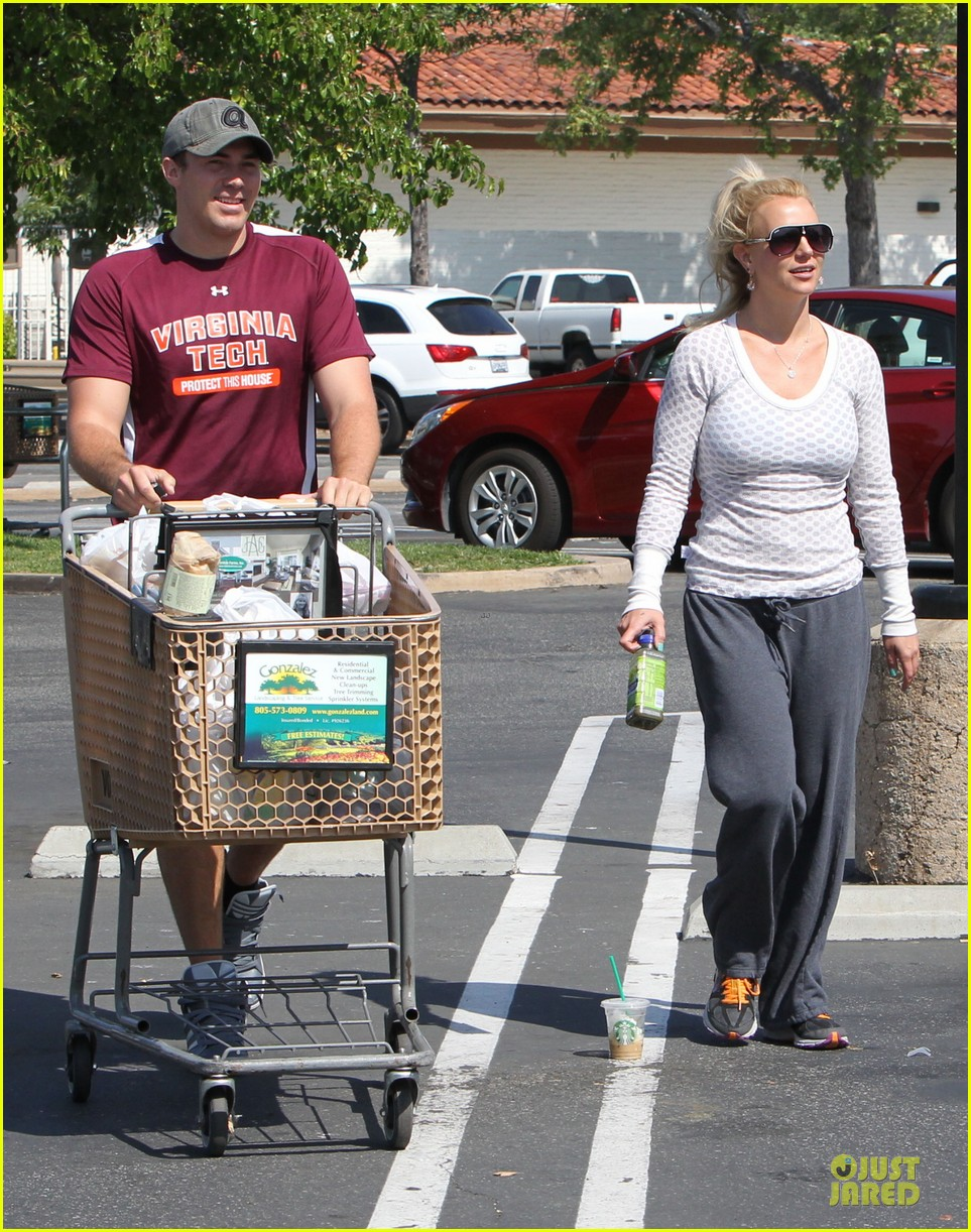 britney spears vons grocery shopping 17