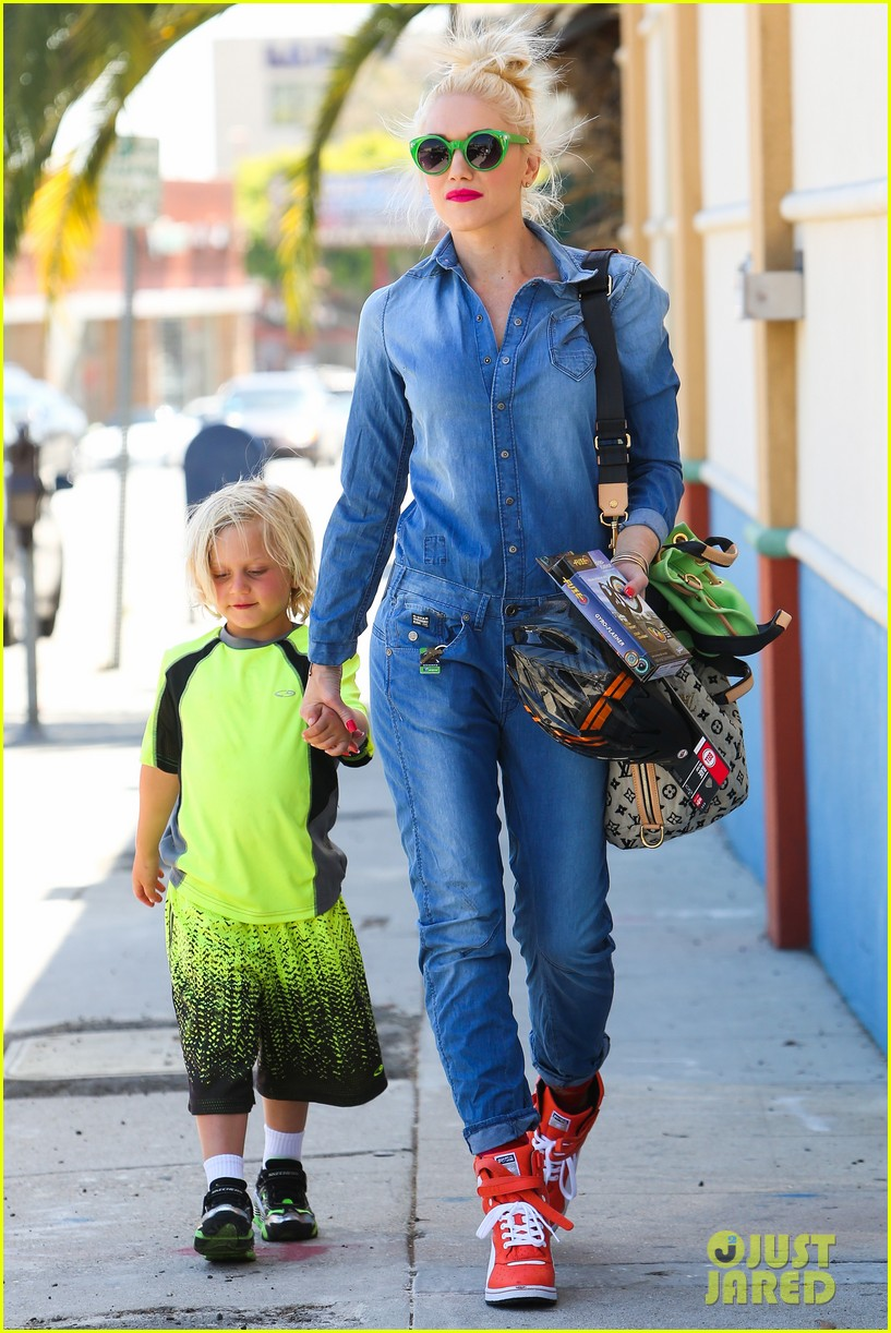 gwen stefani denim day with kingston zuma 22