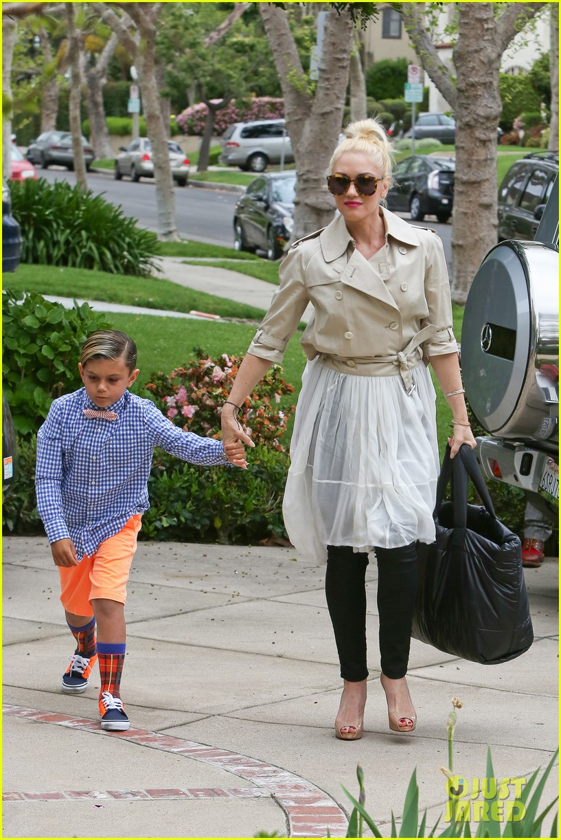 gwen stefani gavin rossdale easter sunday fun with the kids 10