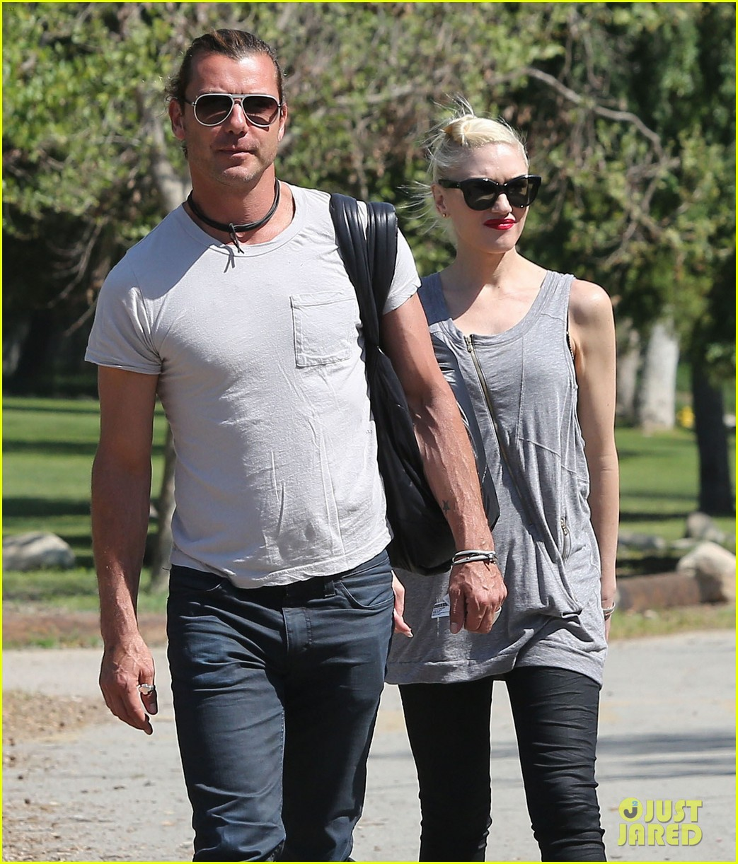 gwen stefani gavin rossdale family day at the park 04