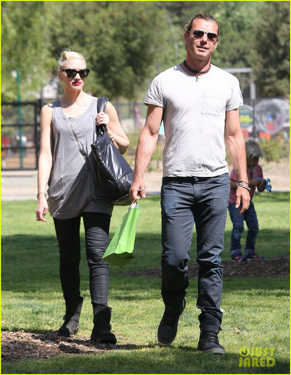 gwen stefani gavin rossdale family day at the park 13